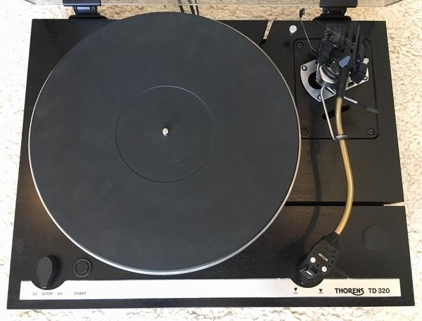 Thorens TD320 platenspeler met SME3009 SIII Arm