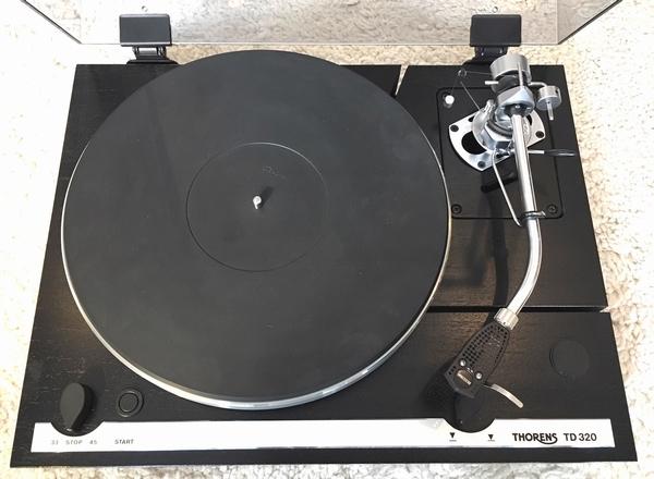 Thorens TD320 platenspeler met SME3009 arm